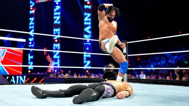 Damien Sandow and Christian battle on this week's WWE Main Event (Courtesy WWE).
