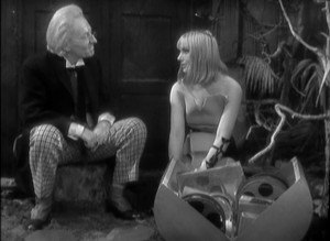 The Doctor discusses Thral history with the key female thral.