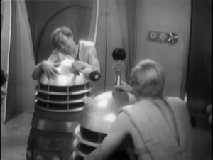 The thrals concentrate on their close-range game in their attack on the daleks, good tactics.