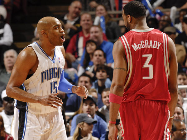Carter and McGrady talk it out during the 2009-10 season.
