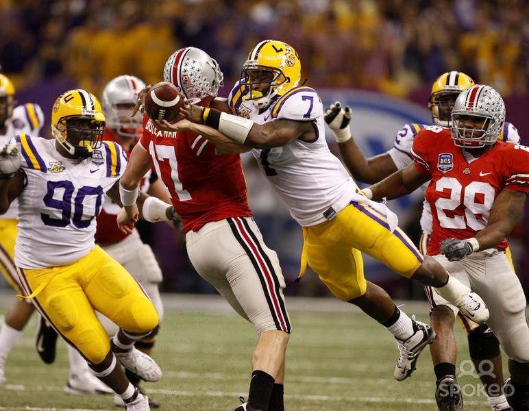 LSU linebacker Ali Highsmith blasts Ohio State quarterback Todd Boeckman in a 38-24 win in the Superdome.