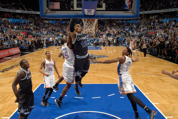 Tobias Harris dunks at the buzzer to defeat the Thunder (courtesy: SI.com)