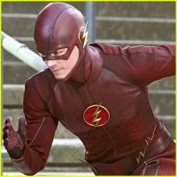 cw-pics-up-the-flash-more
