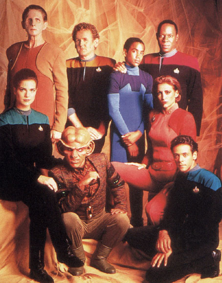 Season one: when every cast photo looked like a club taking an awkward yearbook picture. Just crouch lower, Quark.
