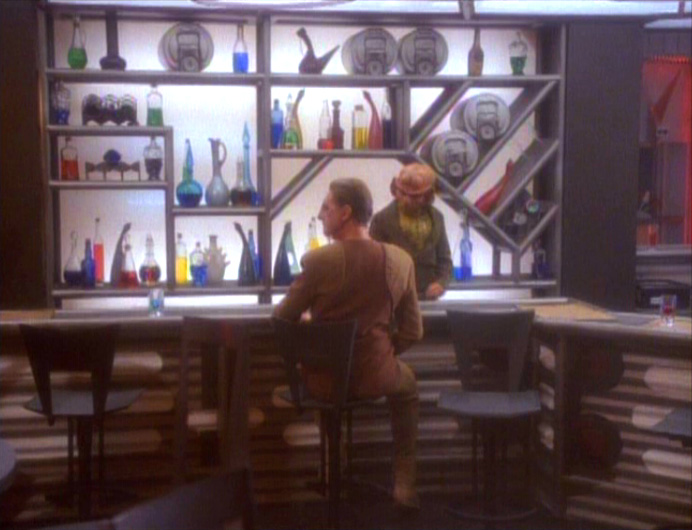 star-trek-ds9-alone-bar-3