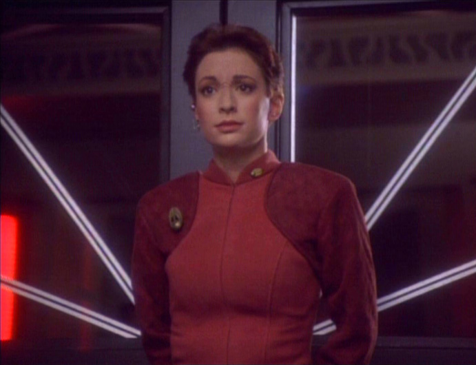 star-trek-ds9-prologue-kira-in-security