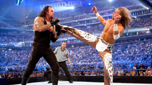 undertaker-michaels-wm-25-kick