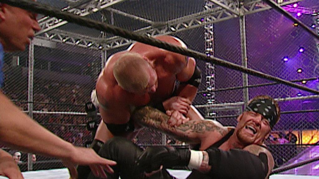 undertaker-vs-lesnar-cell