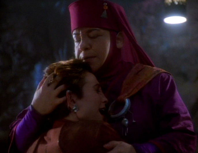 star-trek-ds9-battle-kira-crying-2
