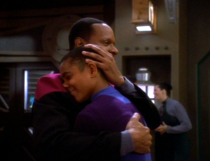 star-trek-ds9-nagus-sisko-and-jake-hug