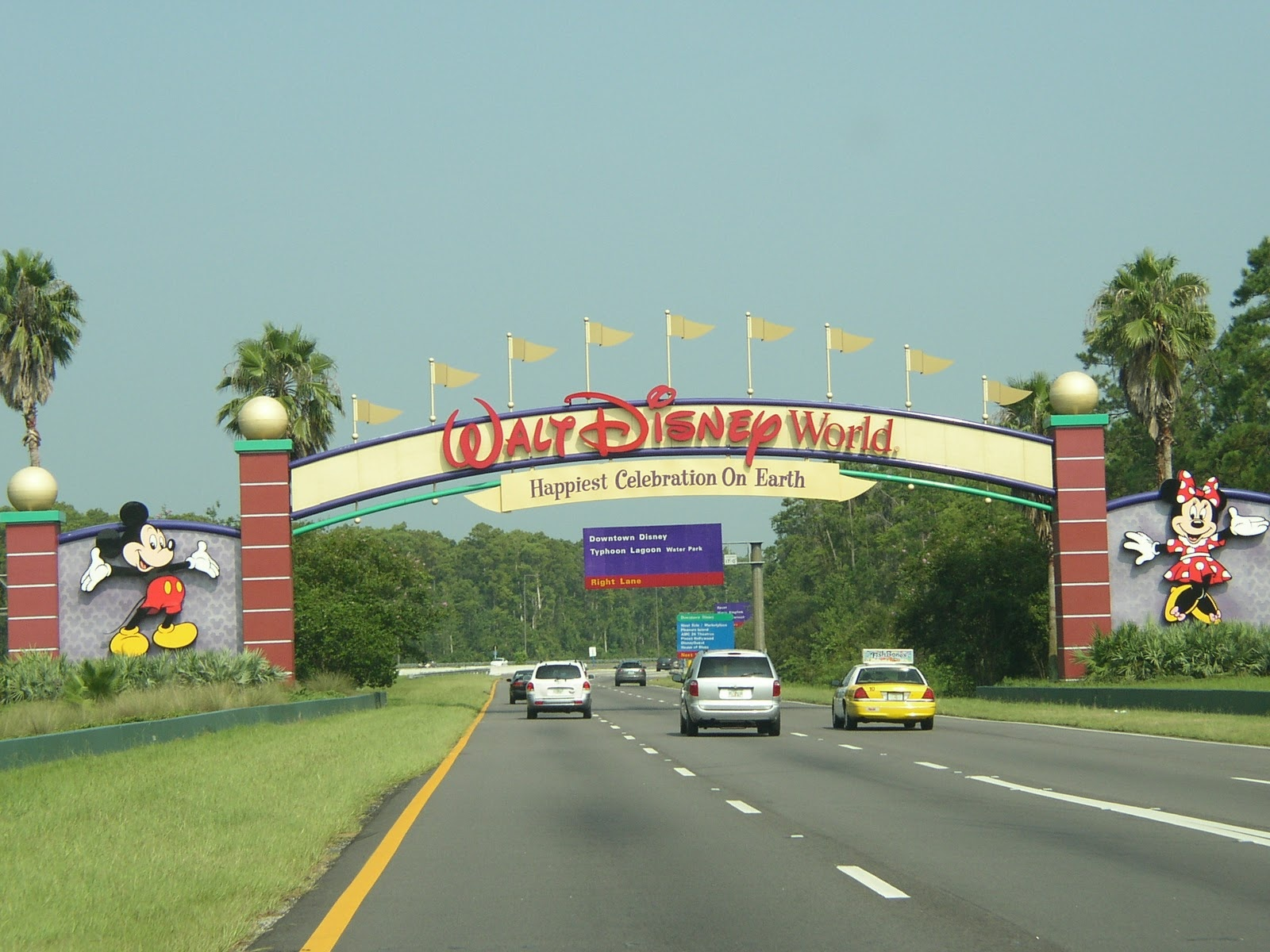 You will drive past this sign on the way into Walt Disney World. Please do not pull over to take a picture of it. This is frowned upon.
