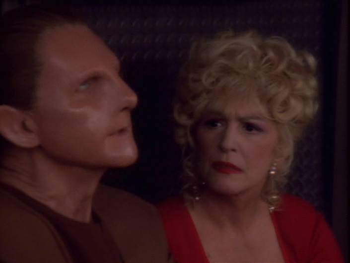 star-trek-ds9-forsaken-odo-annoyed-at-troi