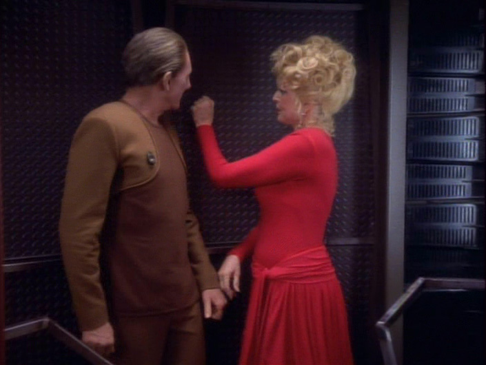 star-trek-ds9-forsaken-troi-knocking-on-wall