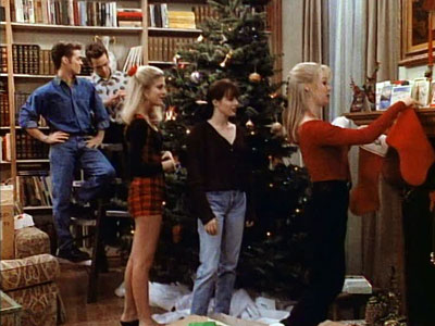 90210-walsh-family-christmas