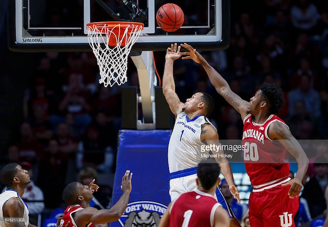 Fort Wayne, led by Bryson Scott (No. 1), picked up a big upset over Indiana this week.